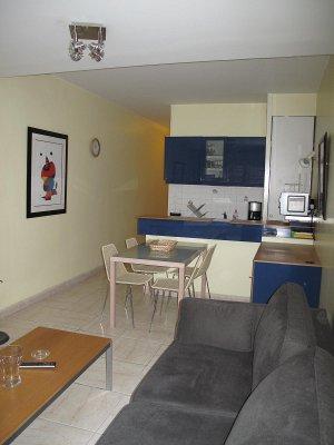 Monolocale arredato 31mq terrazza di 10mq parcheggio for Mini appartamenti arredati giugliano