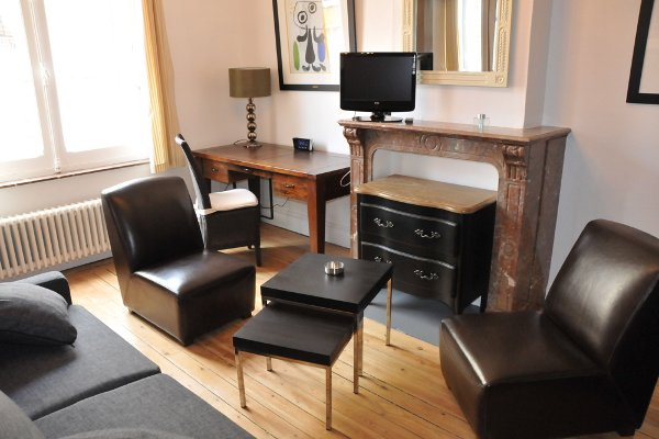 Luxury furnished studio flat 27m² for rent Valenciennes