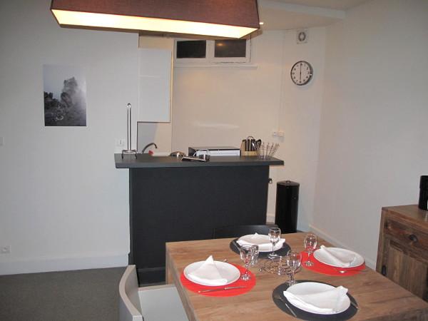 appartement meubl t2 35 m louer valenciennes. Black Bedroom Furniture Sets. Home Design Ideas