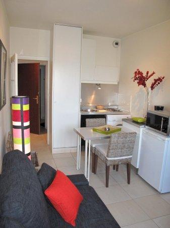 Monolocale arredato circa 20mq in affito a valenciennes for Monolocali arredati in affitto