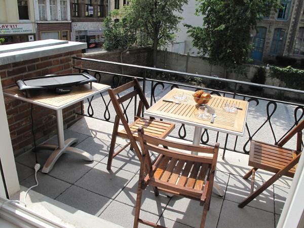 appartement meubl 2 chambres 93m2 avec balcon parking louer valenciennes. Black Bedroom Furniture Sets. Home Design Ideas