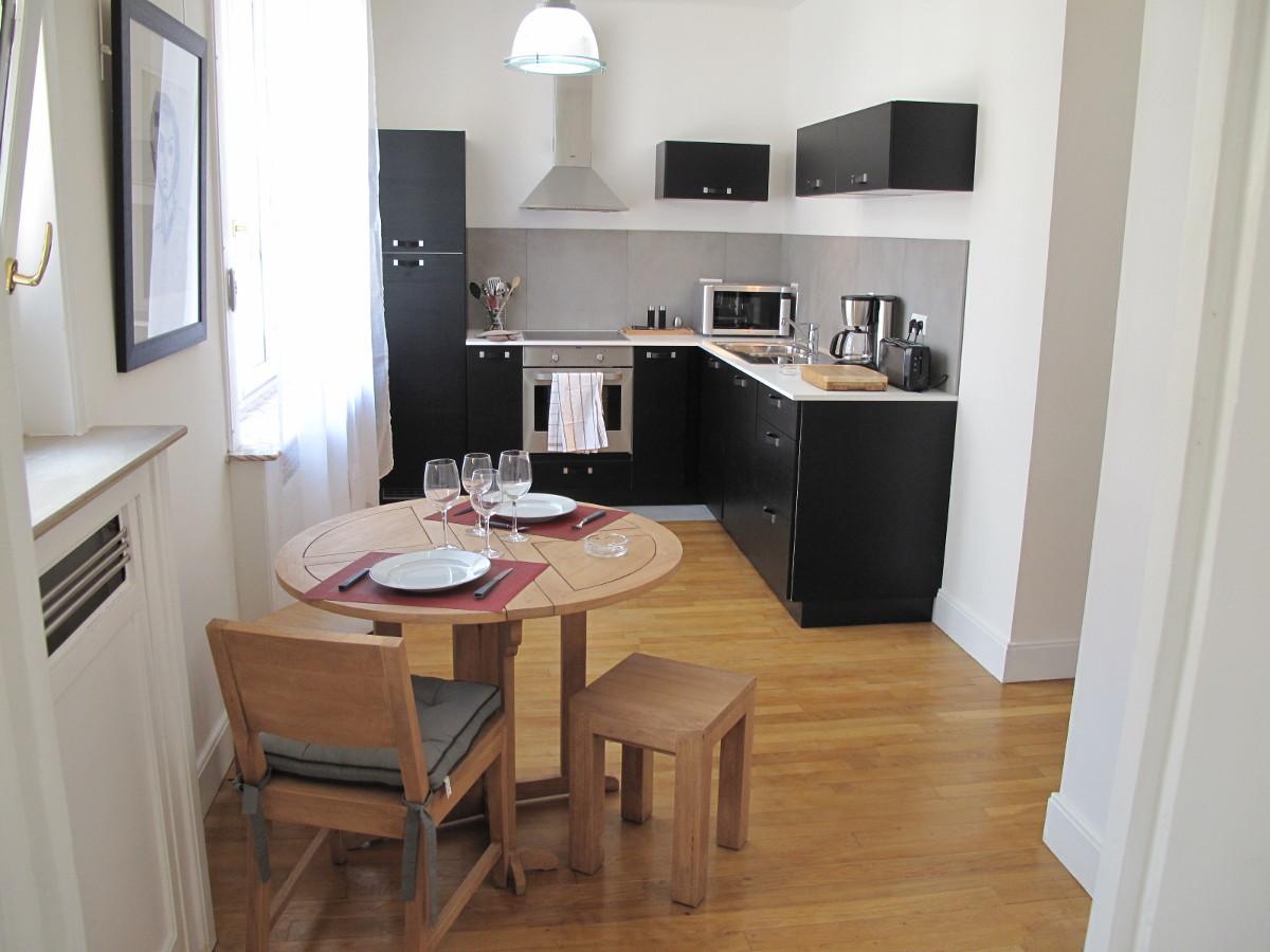 Appartement meublé 2 chambres 93m2 avec balcon + parking à louer Valenciennes