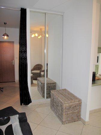 studio meubl 32 m possibilit parking ext rieur louer valenciennes. Black Bedroom Furniture Sets. Home Design Ideas