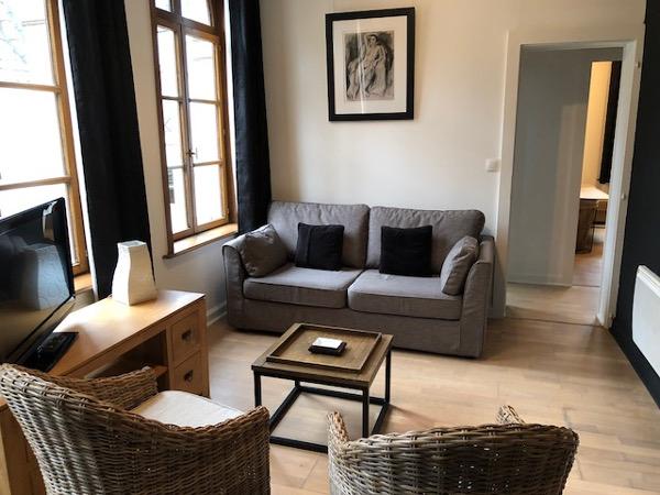 appartement meubl 1 chambre 50m louer valenciennes. Black Bedroom Furniture Sets. Home Design Ideas