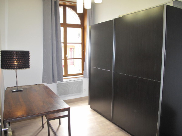 1 Bedroom Furnished Apartment 50 Sqm For Rent In Valenciennes