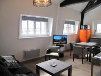 appartement meubl t1 bis m avec balcon et parking. Black Bedroom Furniture Sets. Home Design Ideas