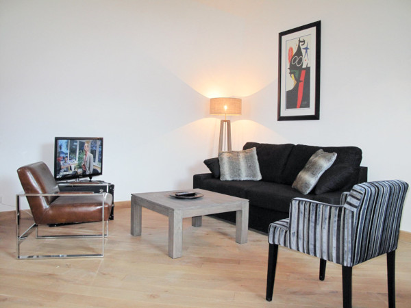 appartement meubl 1 chambre 46m louer valenciennes. Black Bedroom Furniture Sets. Home Design Ideas