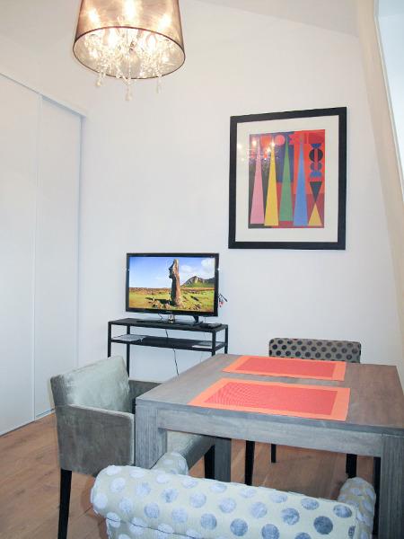 studio meubl 24m louer valenciennes. Black Bedroom Furniture Sets. Home Design Ideas