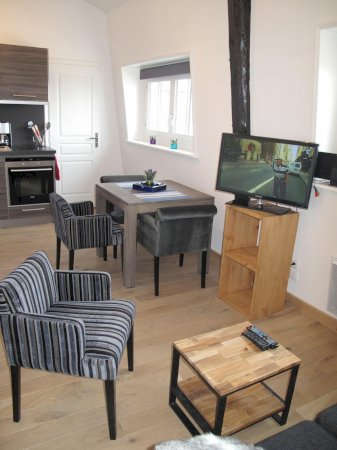 Fully furnished luxury studio apartment 27 sqm for rent Valenciennes