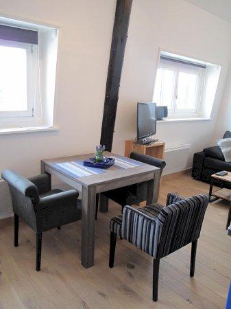 studio meubl de prestige 27m louer valenciennes. Black Bedroom Furniture Sets. Home Design Ideas
