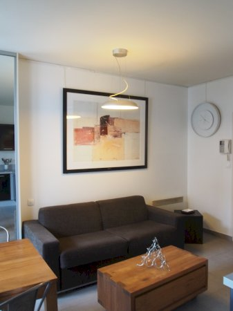 luxuriöse, möblierte 22m² große Einzimmerwohnung + Balcon + ...