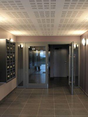 studio meubl de standing 22m balcon parking louer valenciennes. Black Bedroom Furniture Sets. Home Design Ideas