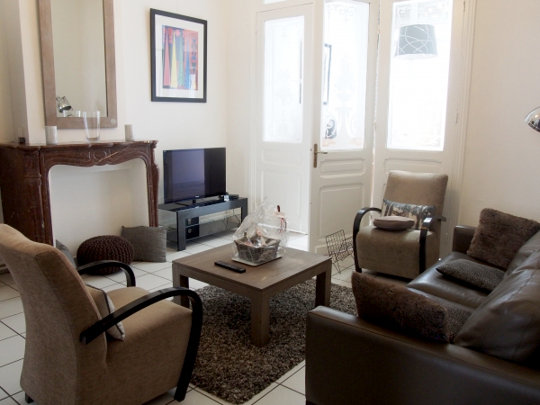appartement meubl 1 chambre 68m avec terrasse louer. Black Bedroom Furniture Sets. Home Design Ideas