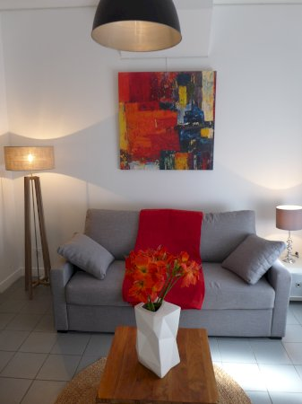 Luxury furnished studio flat about 25m² to rent Valenciennes