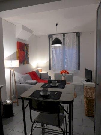 Studio meubl de standing 25m louer valenciennes for Studio arredato