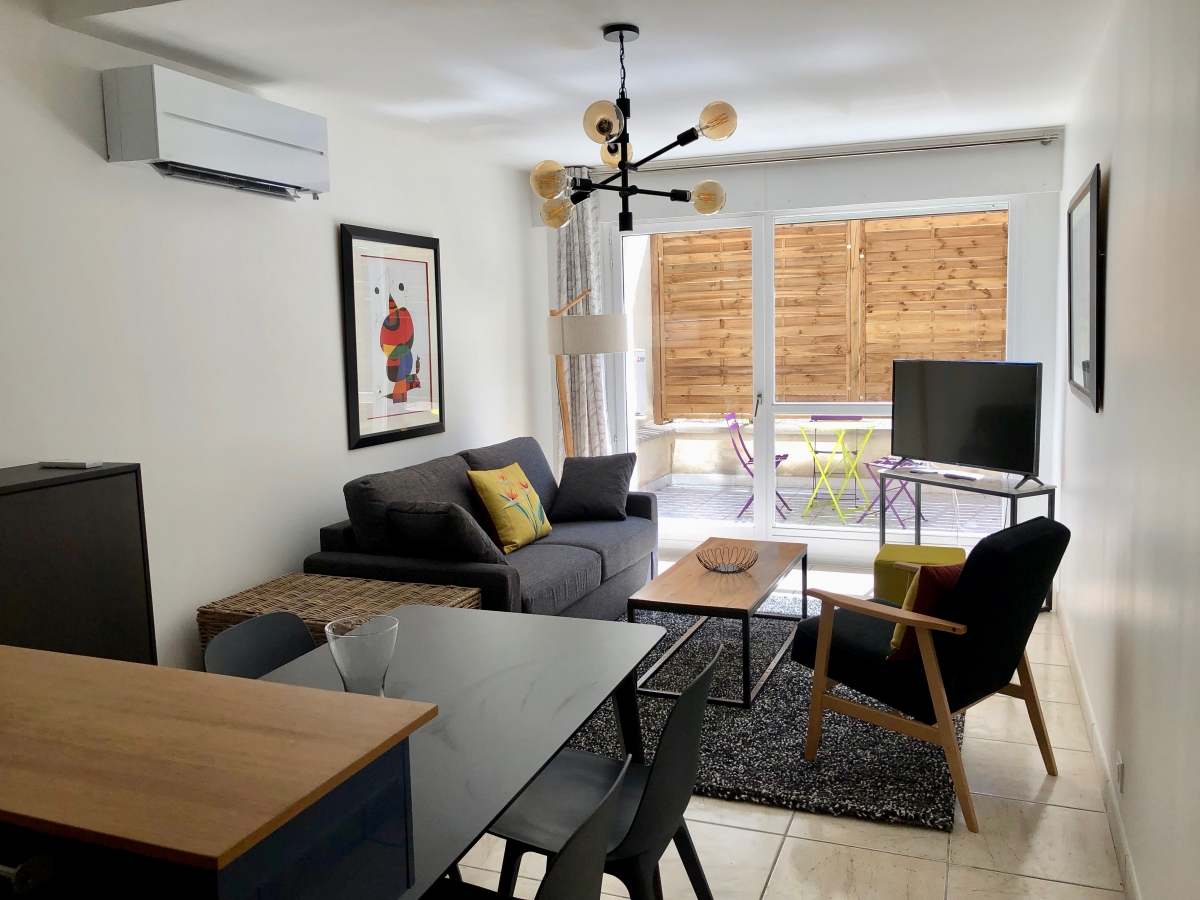 Fully furnished air-conditioned studio apartment (31sqm ...