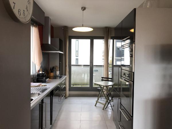 Appartamento arredato 2 camere con un grande terrazzo for Appartamenti arredati napoli
